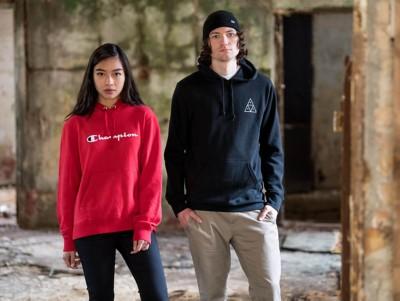 Hemden und Caps von Matix