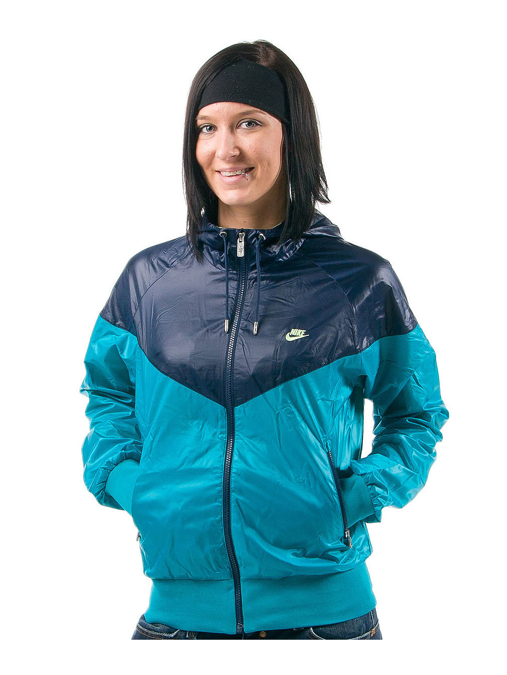 db1c44bd3df1 Buy Nike Windrunner Jacket Women online at blue-tomato.com