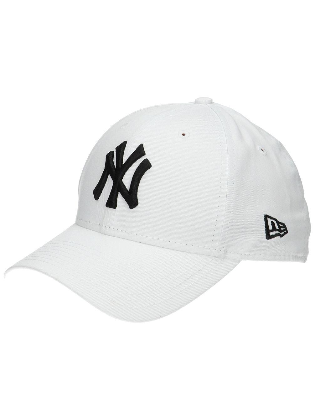 Buy New Era 940 League Basic NY Yankees Cap online at blue-tomato.com 4a9988b6f628