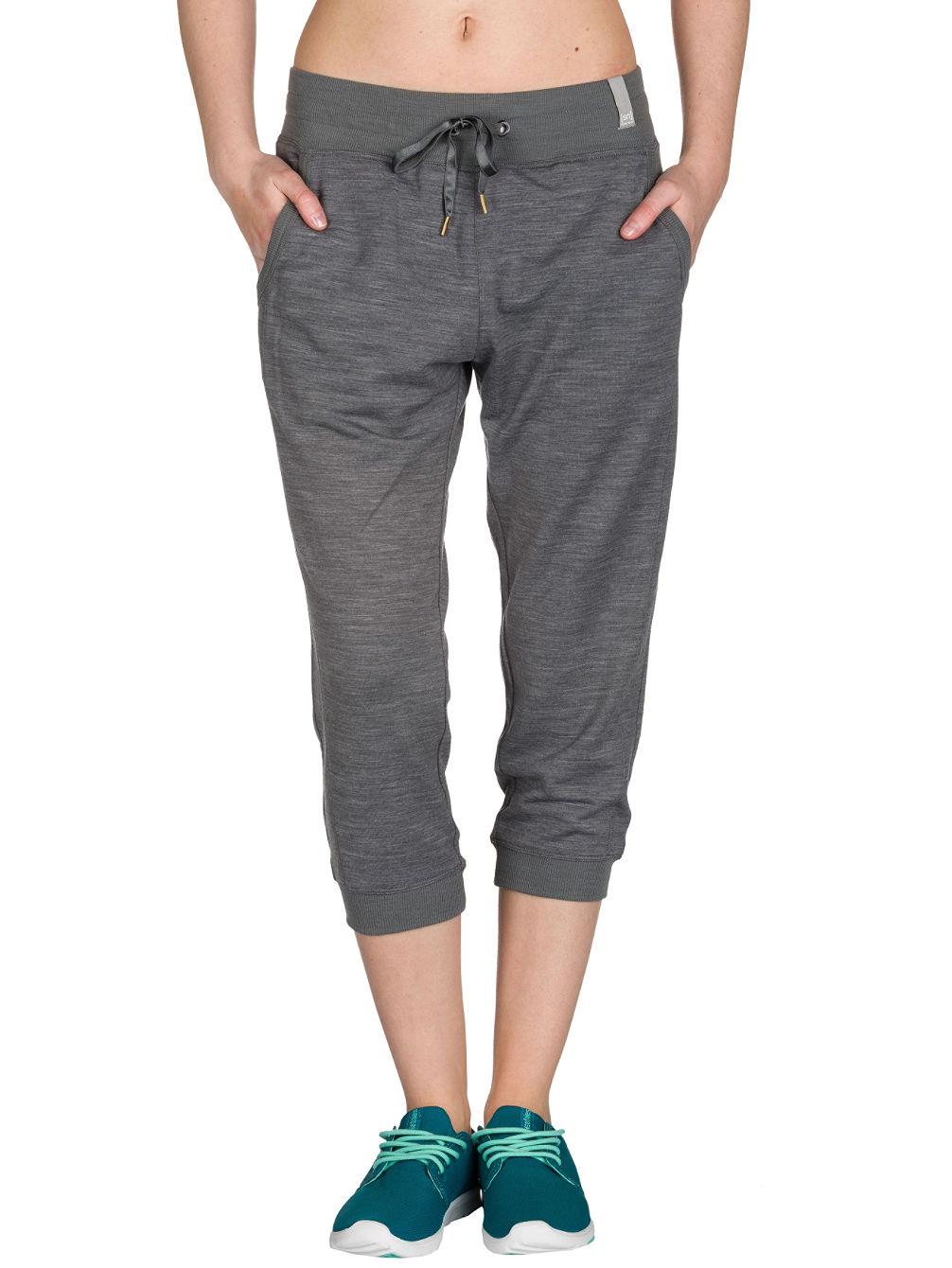 Essential Crop Jogging Pants
