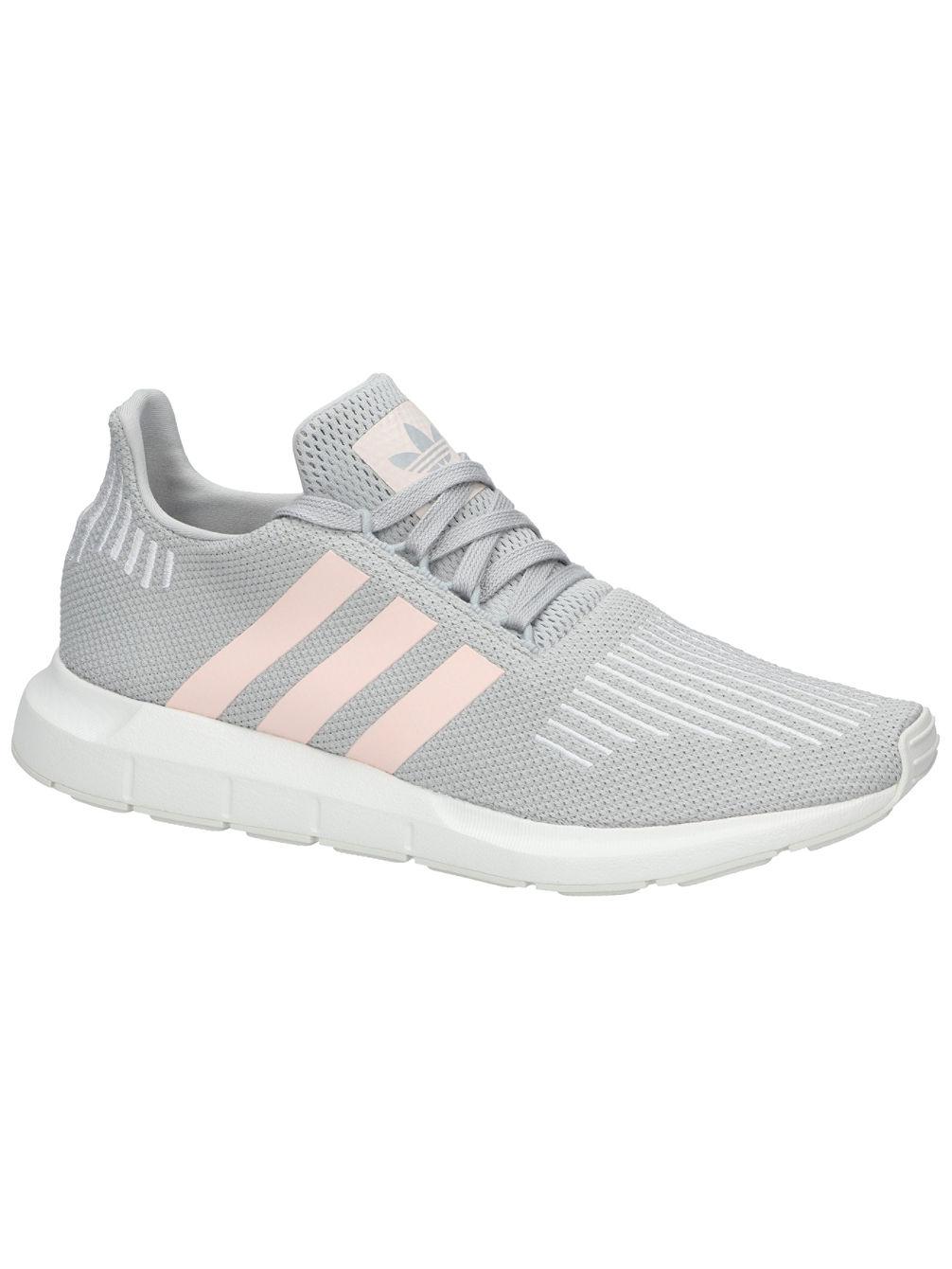 online store 71a5d 8d397 Swift Run W Tennarit Women. adidas Originals