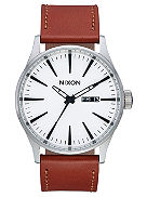 The Sentry Leather Uhr