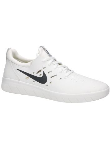 Nike Nyjah Free Skate Shoes