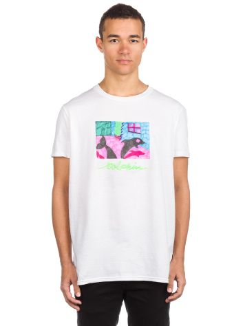 Pink Dolphin Fun House Camiseta