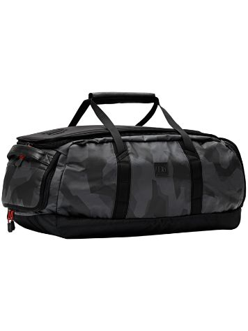 douchebags The Carryall 65L Black Camo Reistas