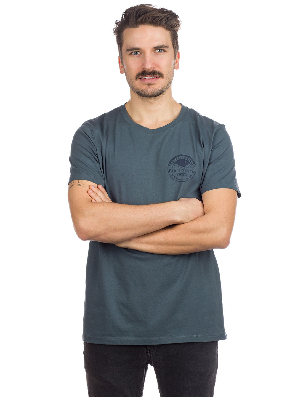bd3cdf287c6e Kup Fjällräven Forever Nature Badge T-Shirt online na Blue Tomato