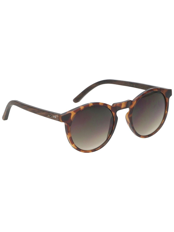 Artikel klicken und genauer betrachten! - Holz-SonnenbrilleDie Emma Walnut Shades von Take a Shot ist eine Holz Sonnenbrille mit havanna-farbenem Rahmen. Die geschichteten Bügel aus Walnuss Holz sorgen für viel Stabilität. Die braunen Gläser bieten dankEntspiegelung auf der Innenseite klare Sicht. Features100 % UV SchutzBlendfreie und klare Sicht dankEntspiegelung auf der Innenseite der GläserFür schmale bis normalbreite GesichterUnisex   im Online Shop kaufen
