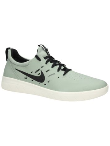 Nike SB Nyjah Free Skate Shoes