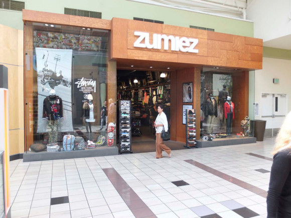 Zumiez Shop in USA