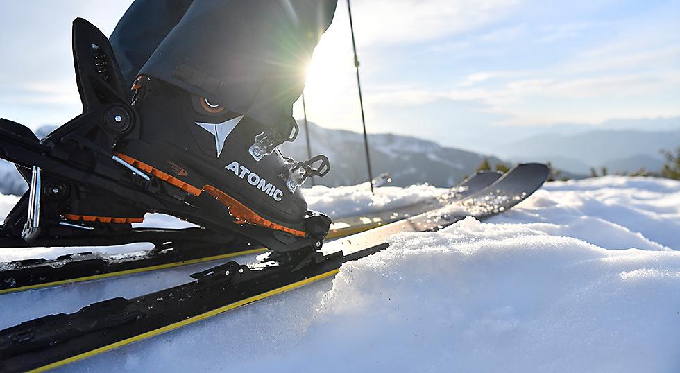 Znalezione obrazy dla zapytania ski shoes and ski