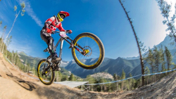 Petra Bernhard beim UCI Downhill World Cup in Vallnord, Andorra