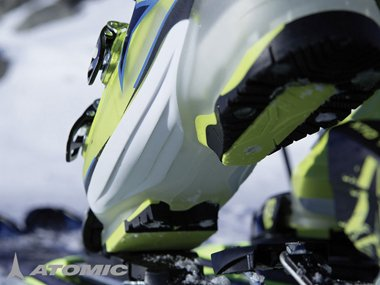 Ski boots from Atomic for men and women