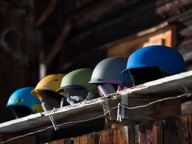 Different ski helmet products