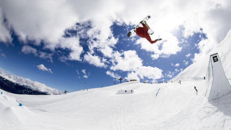 Clemens Millauer hip jump at Nordkette Park Innsbruck