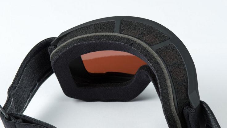 Das innere der Anon M3 Brille mit dreidimensionalem Schaum