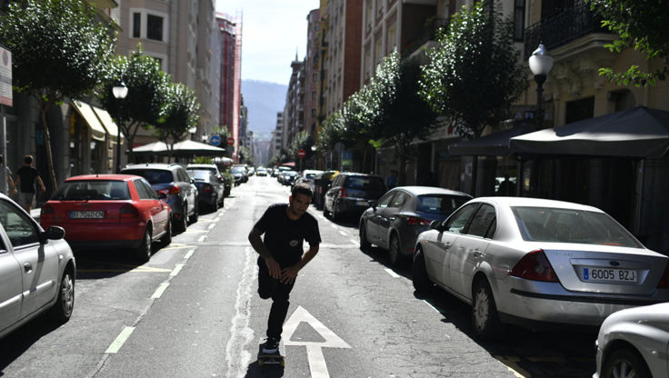 Skateboarding the streets in Spain with soft wheels