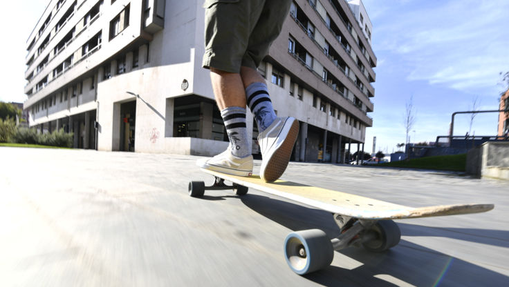 Riding on a cruiser with very soft wheels