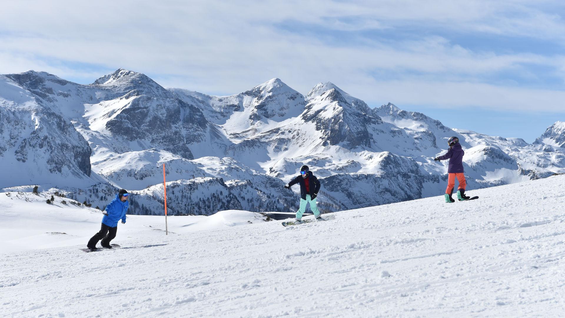 Snowboard-Anfänger in unserer Obertauern Snowboard School