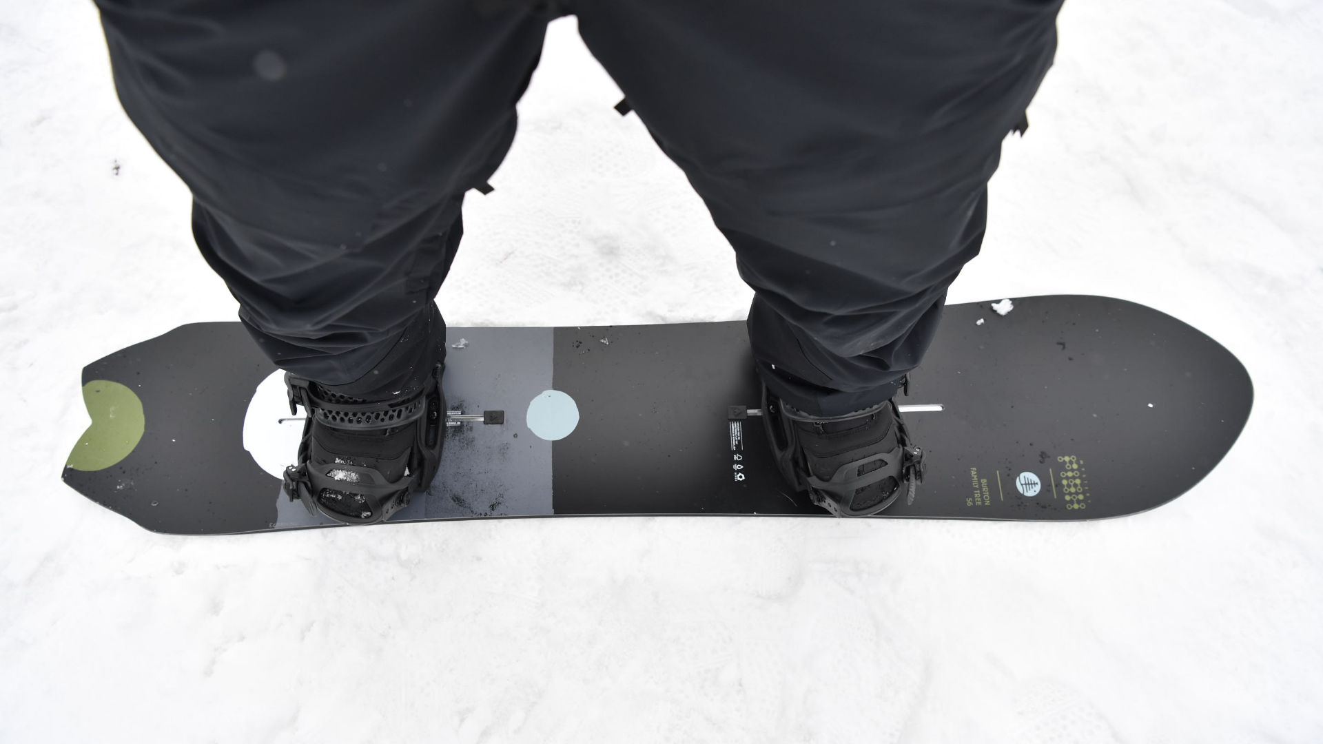 Burton Mystery Fish with Malavita Bindings mounted into the channel system