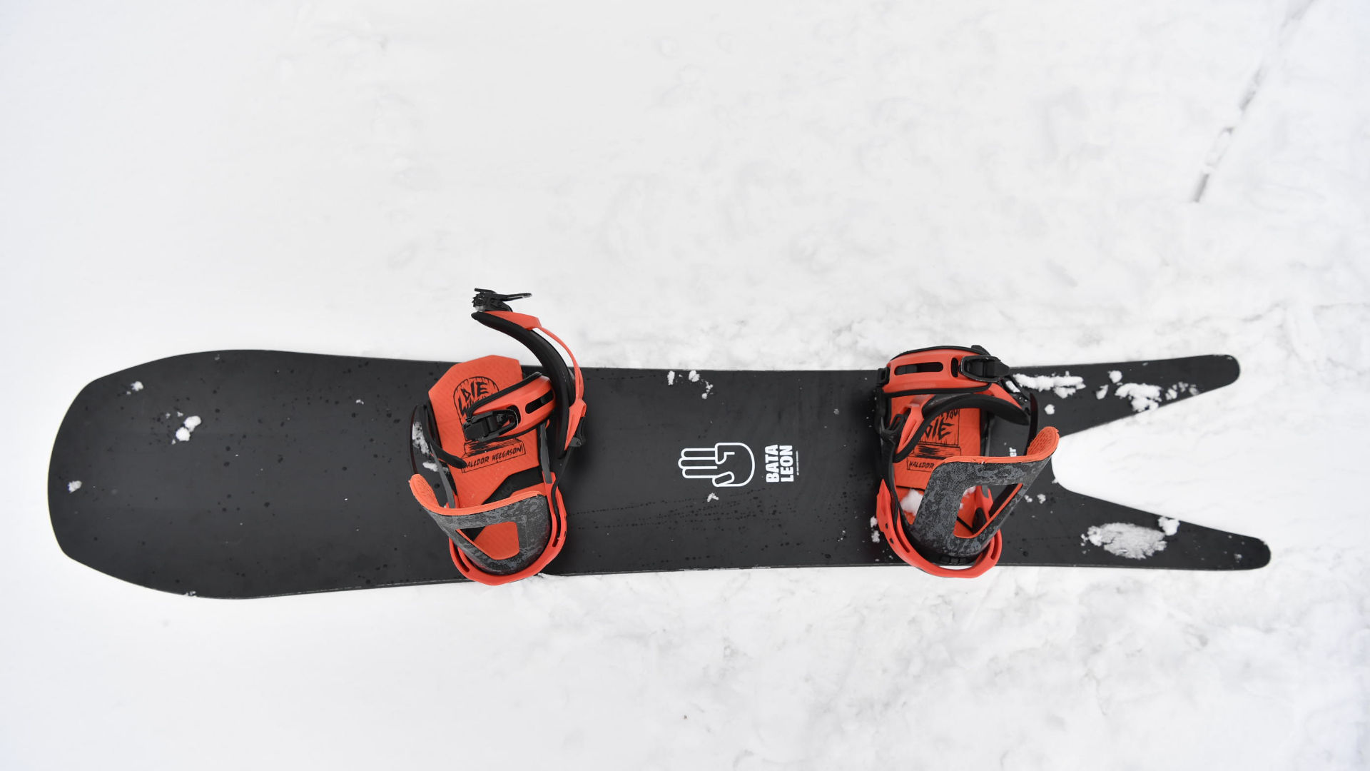 Bataleon Surfer with Switchback Bindings with a big setback