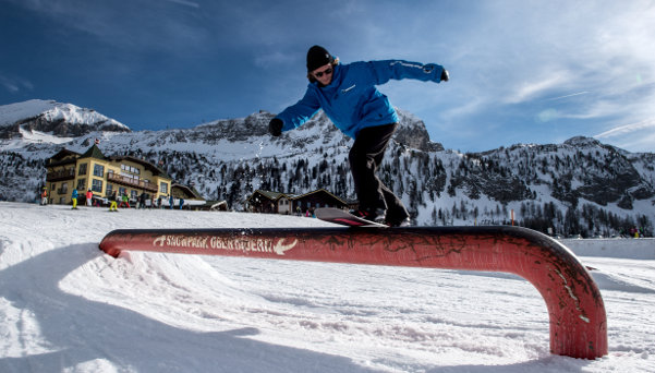 Snowboard Teacher on Rail at Obertauern Snowpark