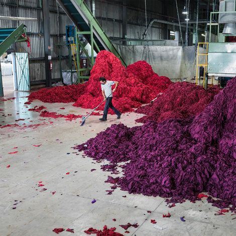 Recycled polyester fibres, ready to reuse them